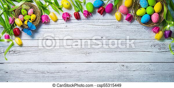 színes, festett, tulipánok, ikra, háttér., pillangók, eredet, húsvét - csp55315449