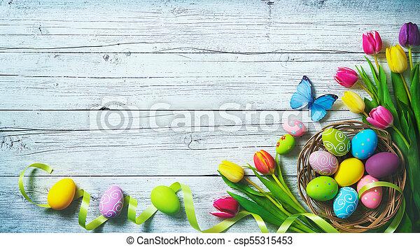 színes, festett, tulipánok, ikra, háttér., pillangók, eredet, húsvét - csp55315453