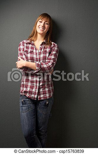 szary, kobieta, młody, tło, szczęśliwy - csp15763839