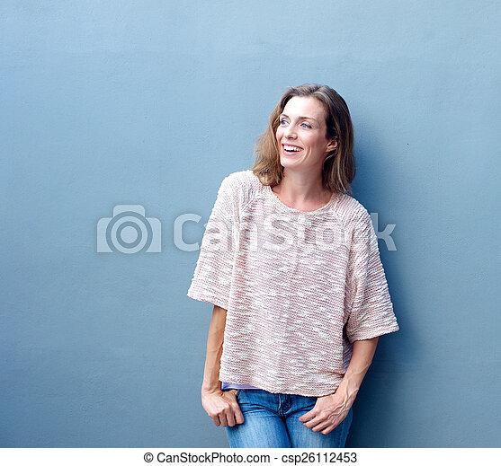 szary, uśmiechnięta kobieta, tło, szczęśliwy - csp26112453