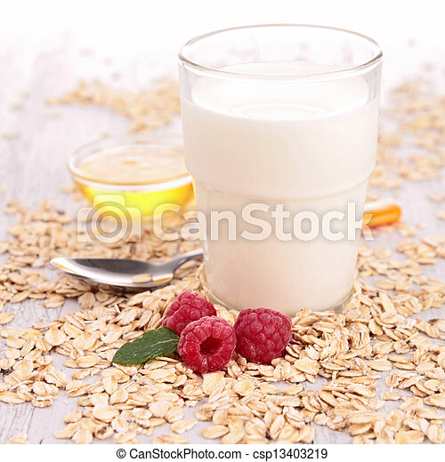 szklane mleko - csp13403219