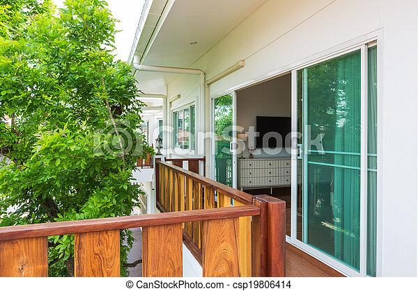 szoba, ágy, erkély - csp19806414