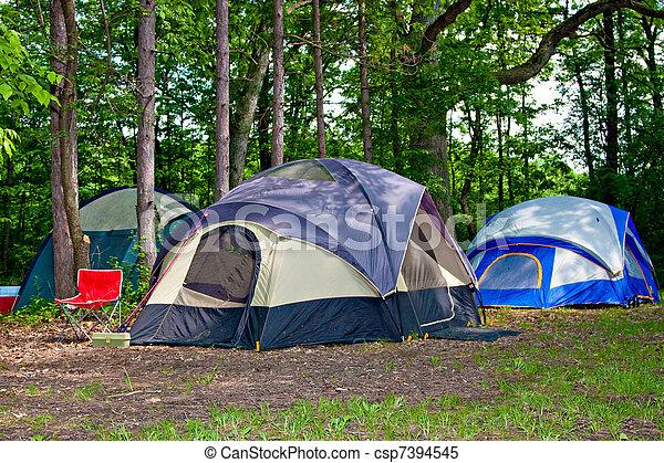 táborhely, kempingezés, sátor - csp7394545