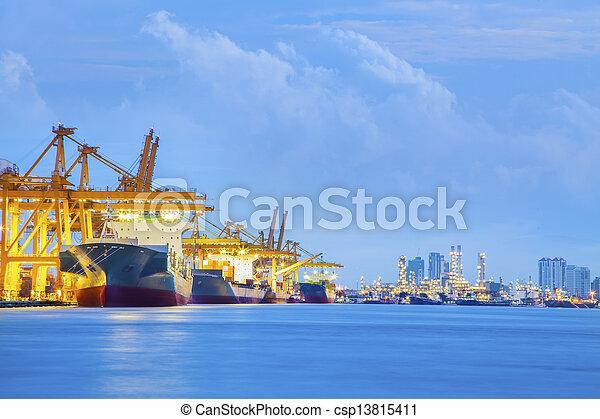 tároló hajó, rakomány, rakomány - csp13815411