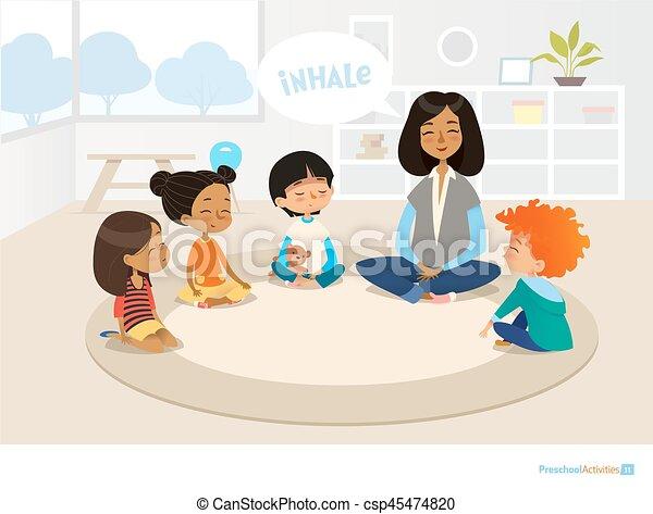 Kinder sitzen im kreis clipart  Vektor Illustration von tätigkeiten, vektor, banner, plakat ...