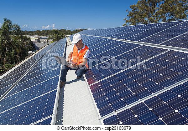 técnico, panel solar - csp23163679
