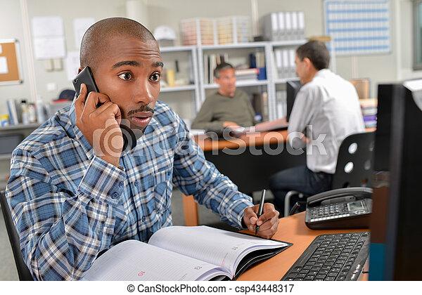 téléphone, homme, expression, facial, surprise - csp43448317