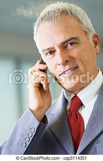 téléphone, mûrir, bureau, homme affaires - csp3114351
