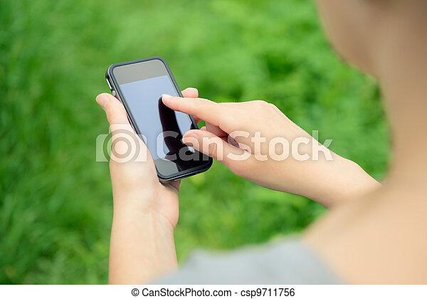 téléphone portable, mains - csp9711756