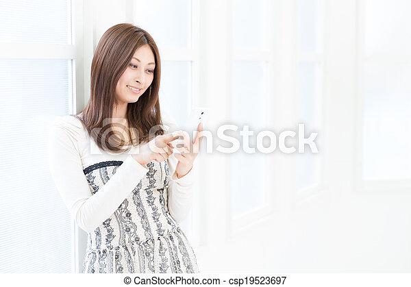 téléphone, voir, femme, intelligent - csp19523697