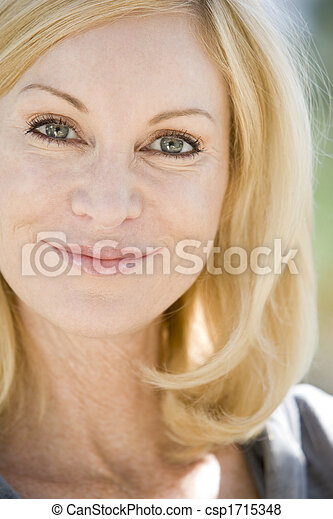 tête, femme, coup, sourire - csp1715348