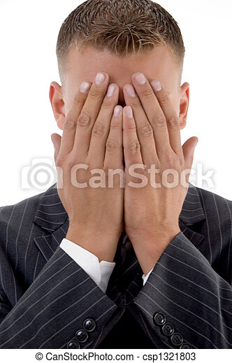 Un hombre de negocios tímido escondiendo su cara - csp1321803