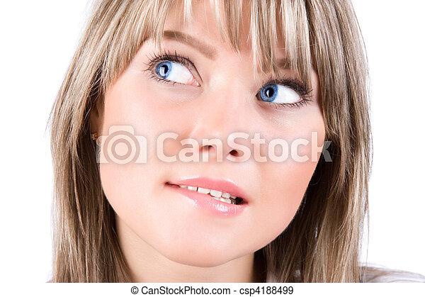 Un retrato de mujer tímida - csp4188499