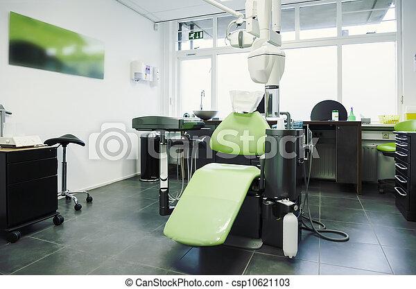 tömma rum, dental - csp10621103