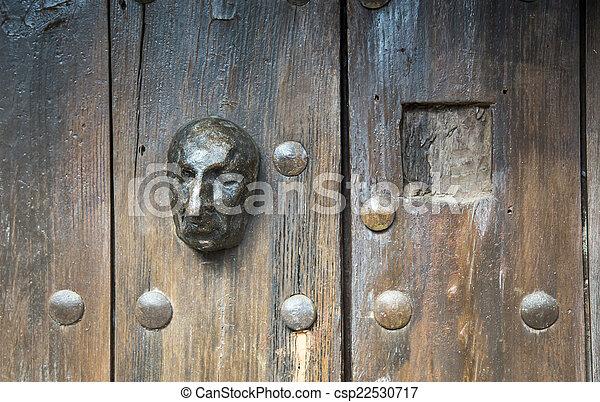 Gesicht zur Tür - csp22530717
