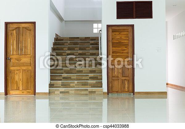 Treppenaufgang Tür tür zimmer treppenaufgang hölzern inneneinrichtung bilder
