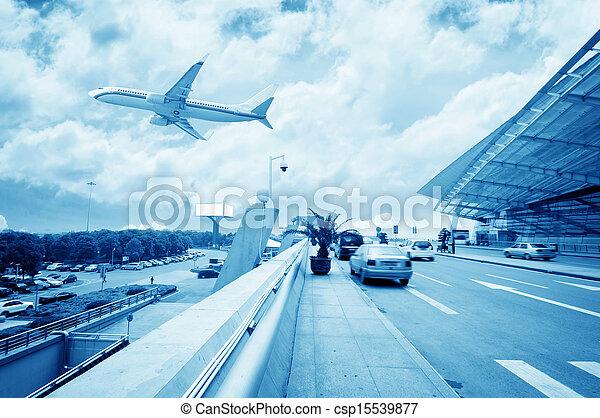 La escena del edificio del aeropuerto T3 en China. - csp15539877
