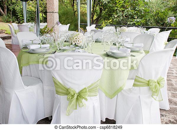 Mesa de bodas - csp6818249