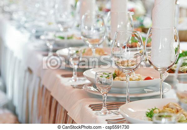 Una mesa de catering - csp5591730