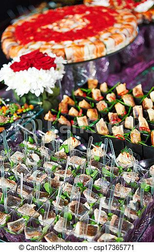 Una mesa de catering - csp17365771