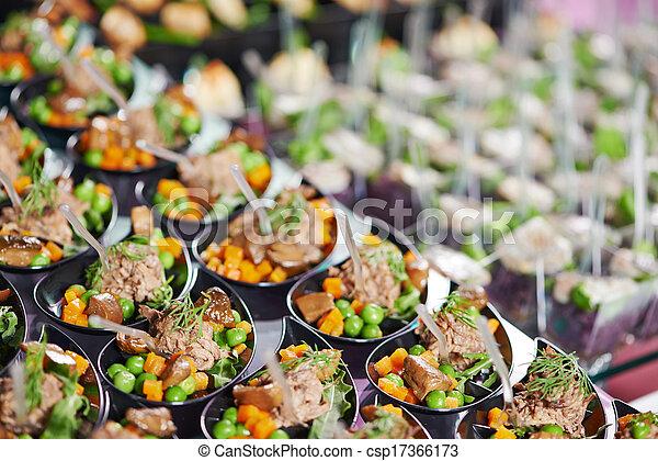 Una mesa de catering - csp17366173