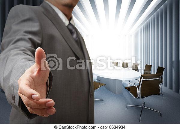 Hombre de negocios y conocer los antecedentes de la mesa - csp10634934