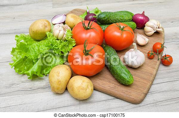 table bois, légumes, planche découper - csp17100175
