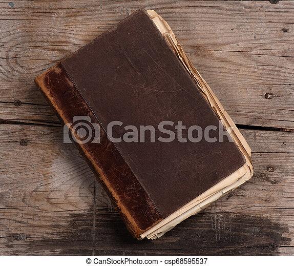 table bois, livre, vieux - csp68595537