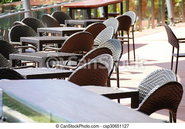Table Chaise Rotin Terrasse Noir