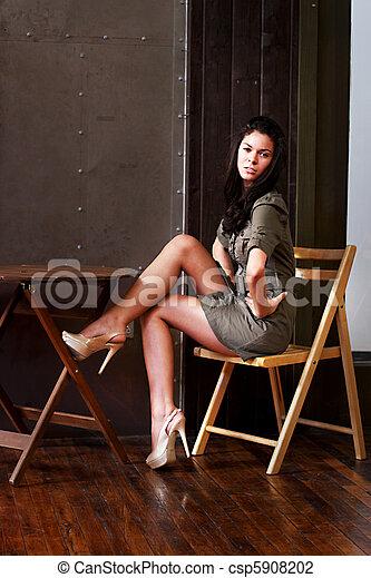 table, girl, séance - csp5908202