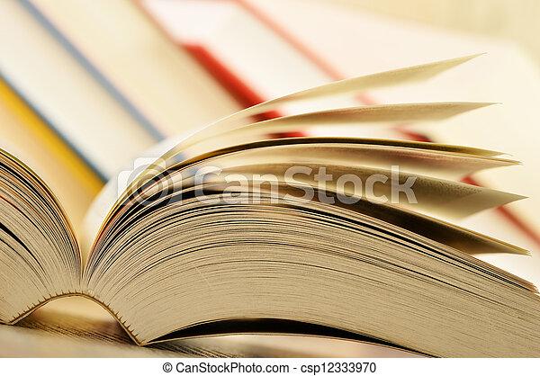 table, livres, composition - csp12333970