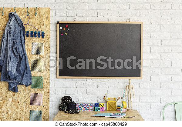 Tableau noir salle moderne bureau mockup mur tableau noir