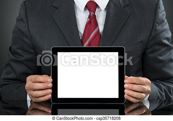 tableta, actuación, escritorio, blanco, hombre de negocios, pantalla - csp35718208