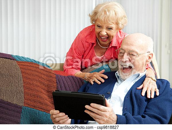 tabletta, párosít, -, számítógép, nevető, idősebb ember - csp9818827