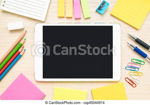 Tablette bois articles sommet bureau papeterie table vue