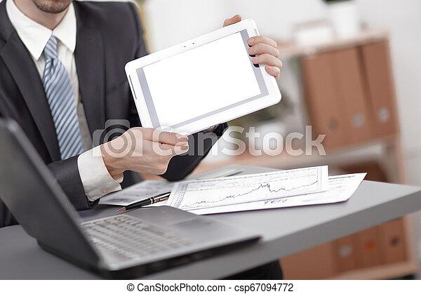 tabliczka, ekran, up.businessman, czysty, zamknięcie, pokaz - csp67094772
