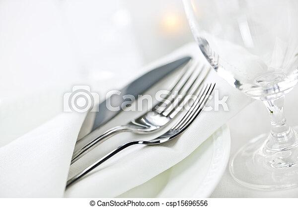 tafel te zetten, het fijne dineren - csp15696556