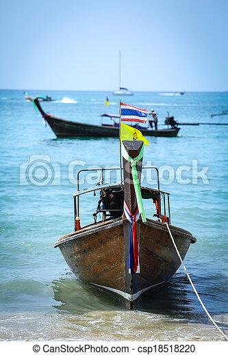 Barco tailandés - csp18518220
