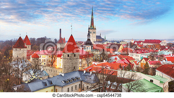 tallin, cidade velha, estonia. - csp54544738