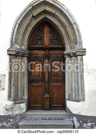 tallin, rua, porta - csp59595110