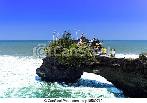 Tanah Lot, Bali. - csp18562719