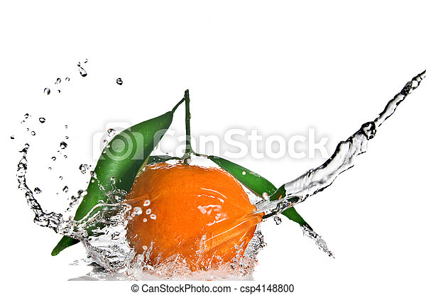Tangerine with green leaves and water splash isolated on white - csp4148800