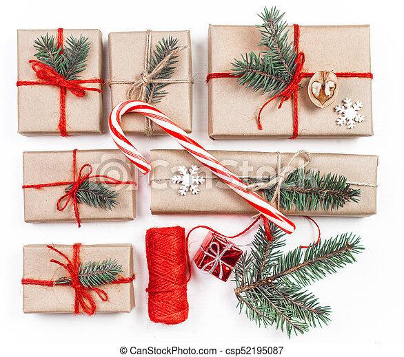 tanne, wohnung, zweige, geschenk, oberseite, legen, handgearbeitet,  geschenke, kiefer, freigestellt, handwerk, hintergrund., kästen, papier,  ansicht, ...