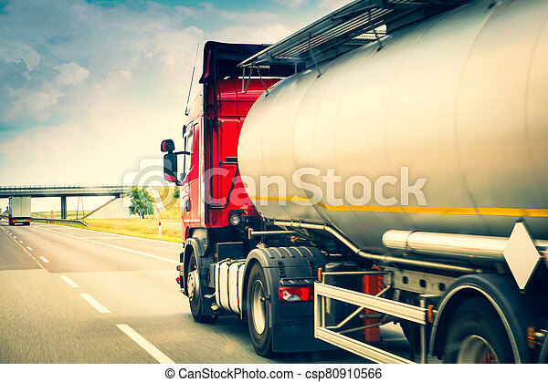 tanque, carretera, coche - csp80910566