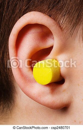 Un tapón amarillo - csp2480701