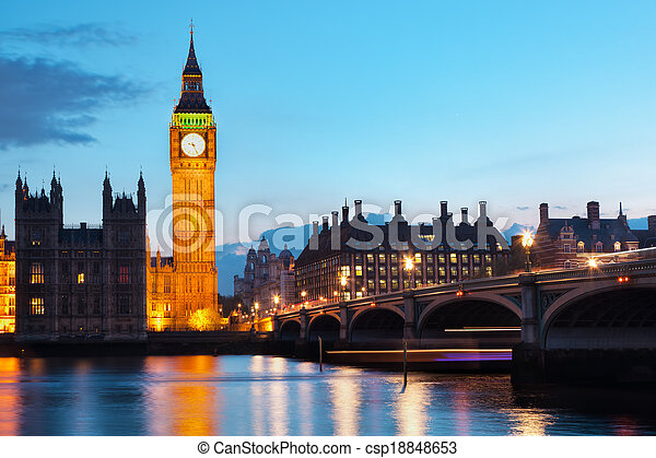 Londres, el Reino Unido. Big Ben y el río de la noche - csp18848653