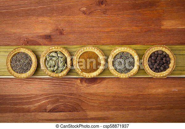 Tartlets with spices - csp58871937