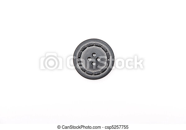 Der alte Knopf ist auf weiß isoliert - csp5257755