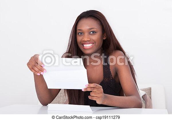 tavola, donna, documento, presa a terra - csp19111279