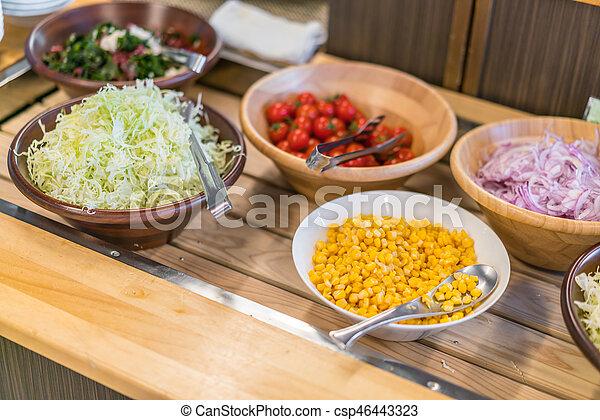 tavola, insalate, buffet, ristorante - csp46443323